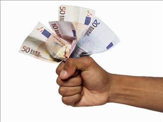 Hoe bespaar ik geld als student?